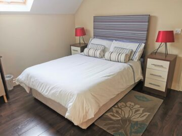 Muckno Lodge Photos - Double Bedroom 3