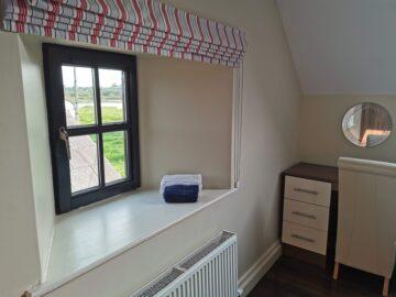 Muckno Lodge Photos - Bedroom