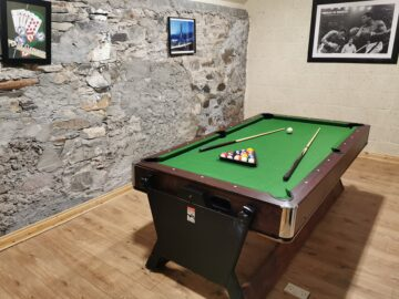 Muckno Lodge Photos - Games Room