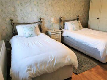 Muckno Lodge Photos - Twin Bedroom 2